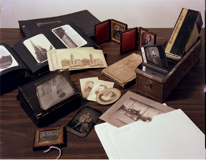 Archival Materials / Objets archivistiques