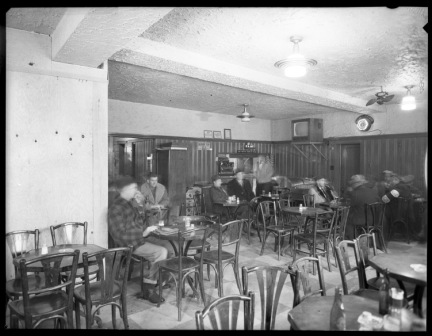 Historic Tavern Tour /  Tournée des tavernes historiques